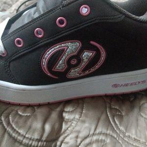New Heelys Roller Shoes